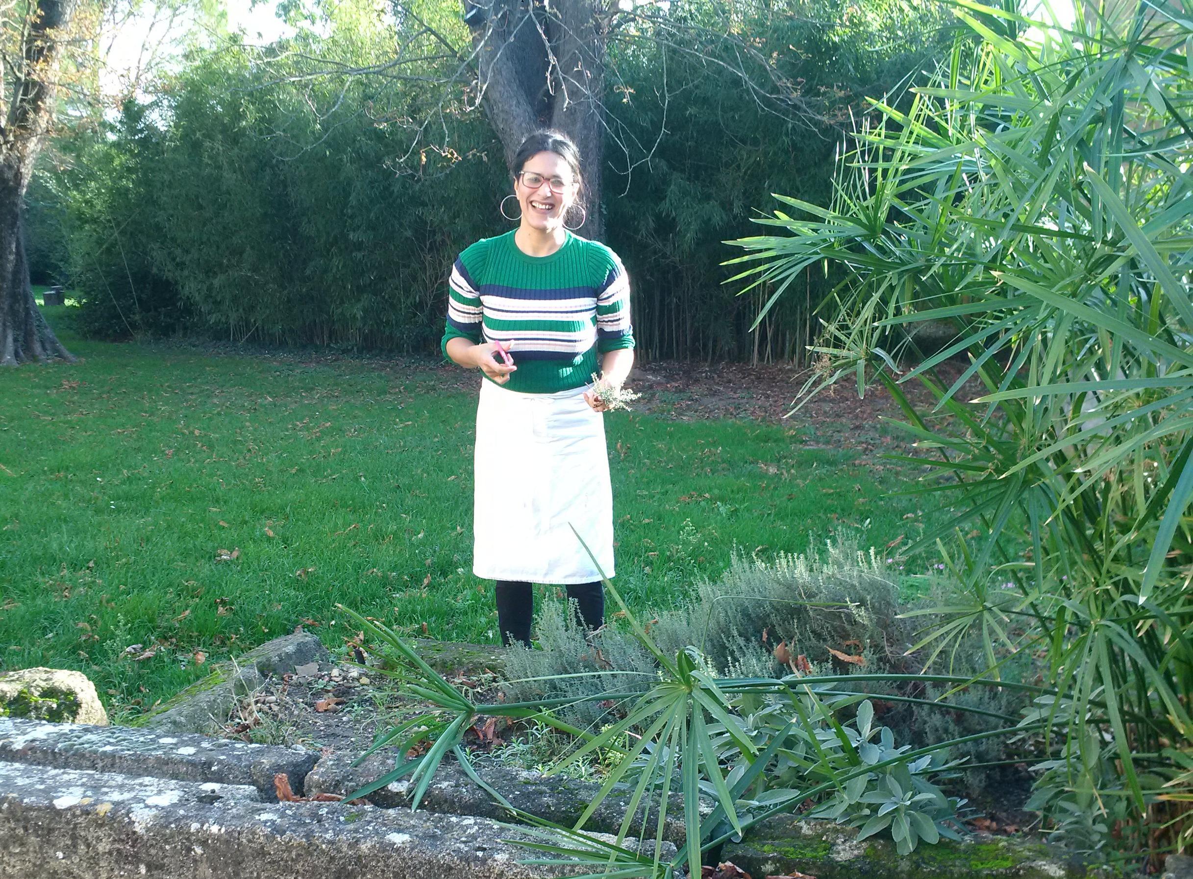 Laila dans le jardin